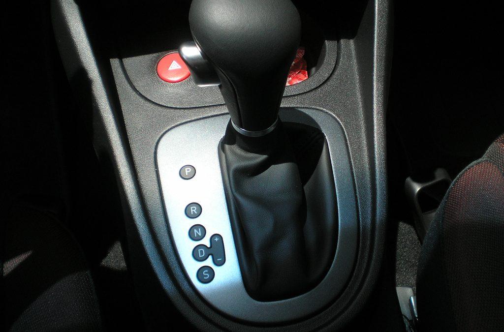 Caja de cambios: ¿manual o automática? La tecnología iguala el debate