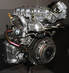 220px-2003_nissan_yd22ddti_engine_right-rear